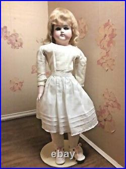 17.5. Bisque Head, Lower Arm&legs Girl Gl. Eyes, Belton Head
