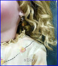 30 Heinrich Handwerck / Simon & Halbig Bebe Antique Bisque-Head German Doll