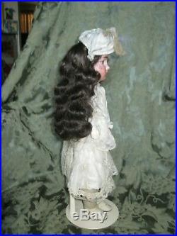 ANTIQUE GERMAN BISQUE SHOULDER HEAD MYSTERY DOLL 5/0 a 17 ORIG. DRESS/HAT
