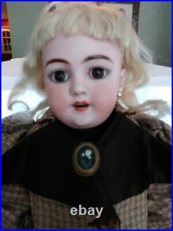 Antique Heinrich Handwerck Simon Halbig 18 NICE Composition Doll Org. Bisque