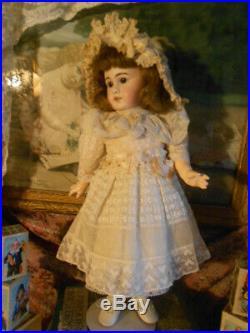 Simon & Halbig 939 Doll in Antique Laces